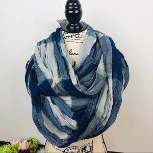 NWT Steve Madden | infinity scarf blue